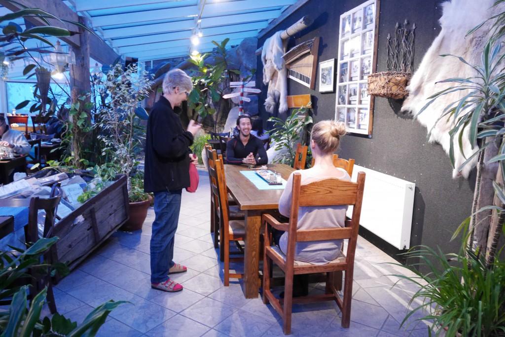 Middag i Vinterhagen restaurant på Polarriggen, der vi bodde. Foto: Magne Mellem Enoksen