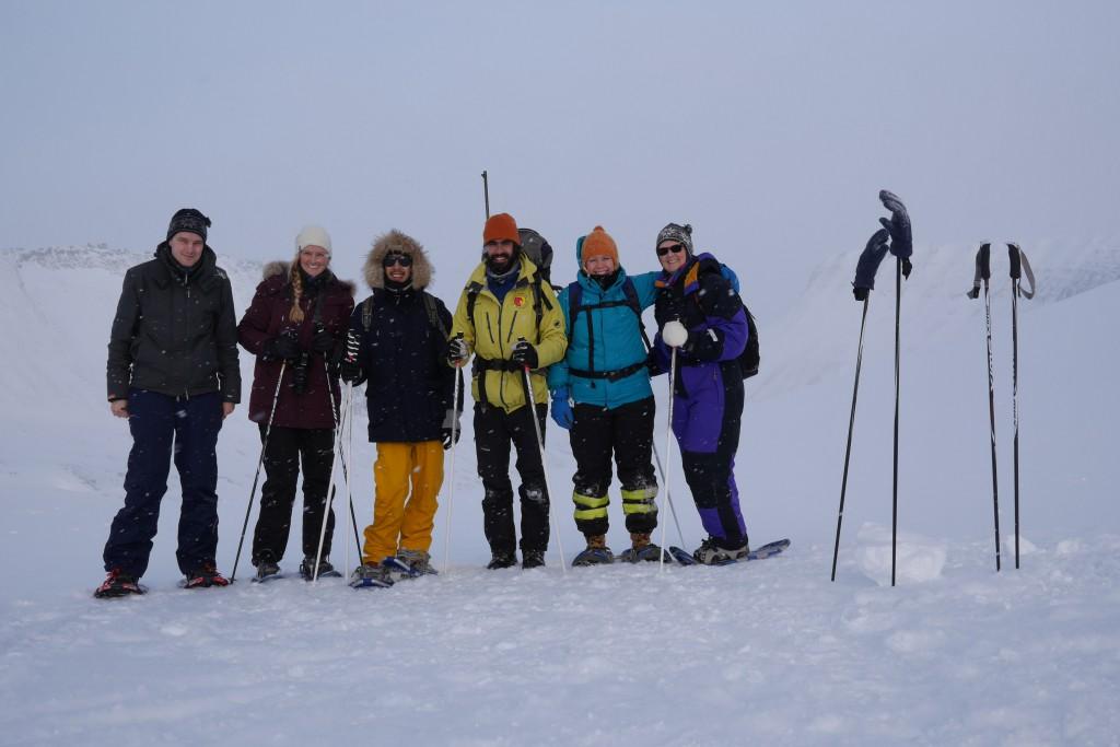På isgrottetur til Larsbreen. Fra venstre: Magne, Lina, Deem, Mirco (guiden), Carina og Mette. Foto: Magne Mellem Enoksen