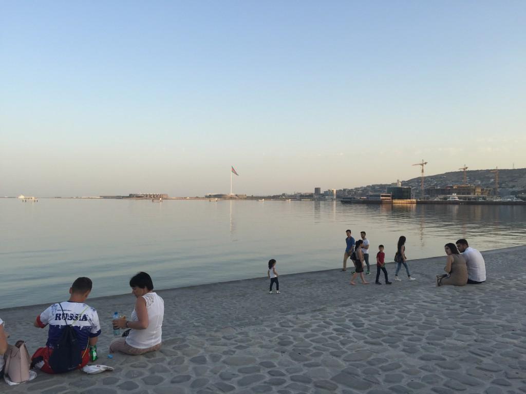 Strandpromenaden i Baku, Azerbaijan